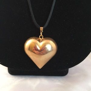 Jewelry - Lovely metal heart pendant silk necklace 90s